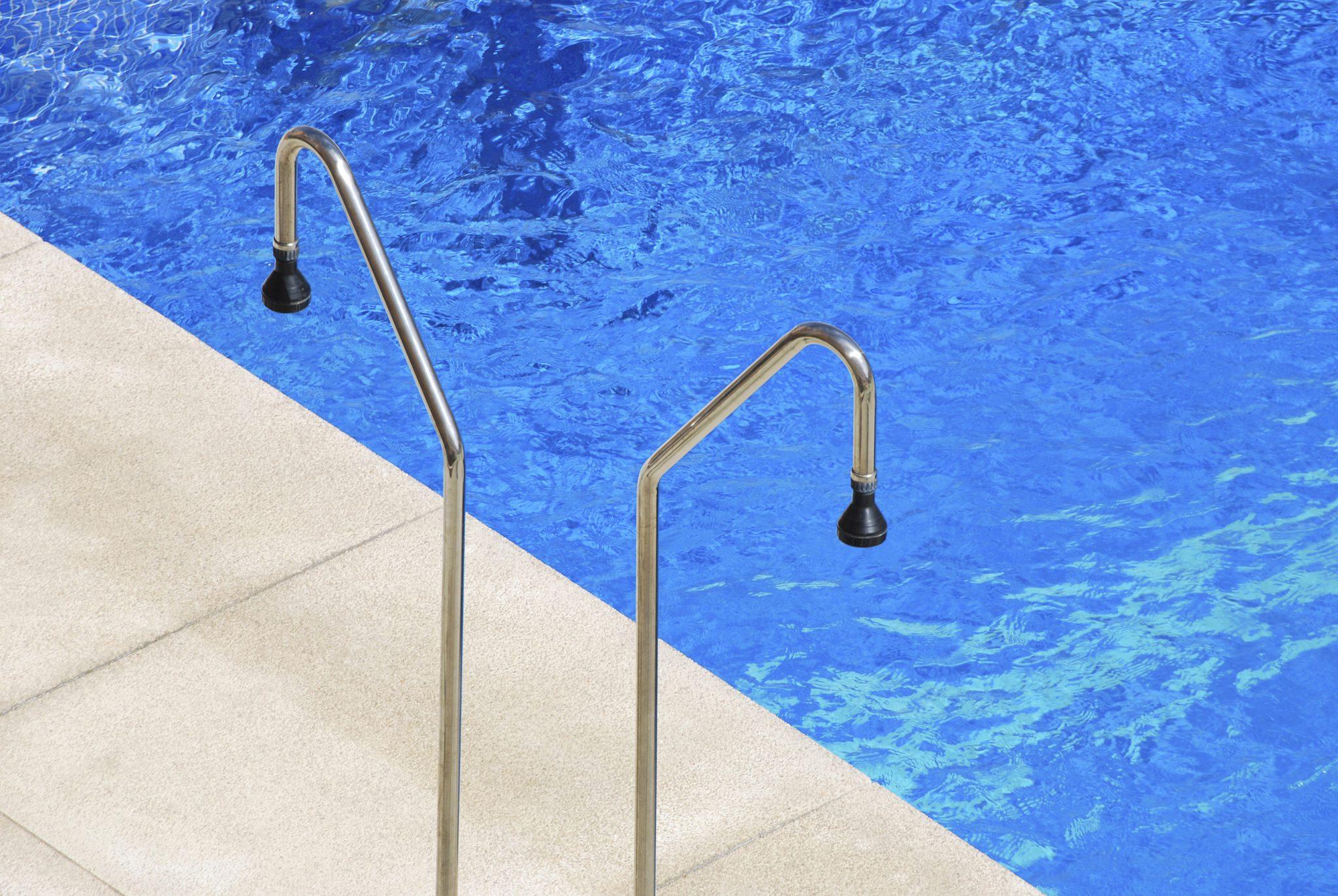 duchas de piscina